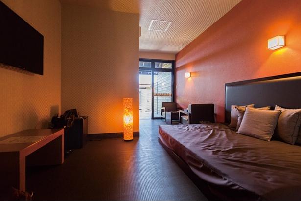 i+Land Nagasaki / 室内はくつろげるようにソファを設置