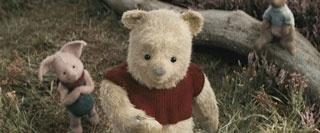 """大人になった主人公クリストファー・ロビンと、初めて""""100エーカーの森""""を飛び出した昔の大親友プーの冒険が展開。パディントン? ted? と思いきやトイ・ストーリー的楽しさアリ!"""