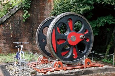 貴婦人と呼ばれたC57型蒸気機関車の動輪を展示