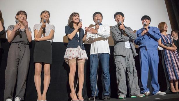 現在公開中の映画「初恋スケッチ~まいっちんぐマチコ先生~」は来年DVD化されることも明かされた