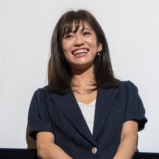 初日舞台あいさつに登壇した大澤玲美