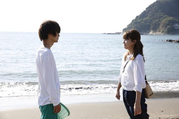 【写真を見る】ゆり子(川口春奈)が最後に選ぶのは…!?