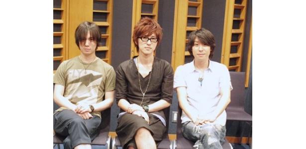 鈴木達央、櫻井孝宏、鈴村健一(写真左から)