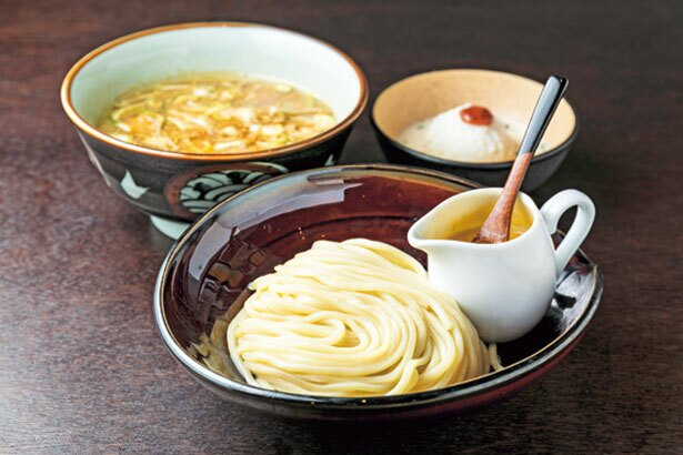 鶏清湯のつけ麺にチーズソースを組み合わせた「鶏つけチーズソース」(980円)/時屋 L'Espoir