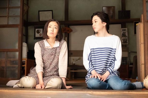 第139回(9月10日放送)シーンより。律を怒らせてしまった鈴愛に、晴は意外なアドバイスを贈る