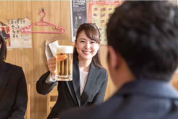 【写真】男性は女性の飲み会参加に好意的