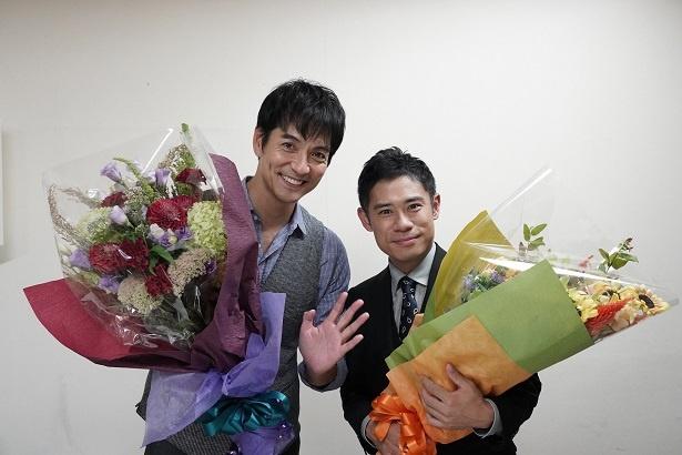 沢村一樹(左)と伊藤淳史(右)が「絶対零度―」(フジテレビ系)クランクアップ