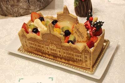 コロンバン「グランスタ東京駅舎ノエル」(5400円、限定150台)