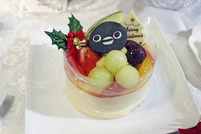 京橋千疋屋「cuteなSuicaのペンギンケーキ」(4860円、限定60台)