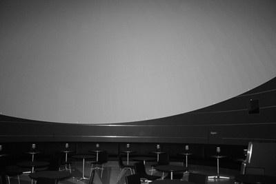 空港では初めてとなる最新型のプラネタリウムを導入したカフェ「Planetarium Starry Cafe」
