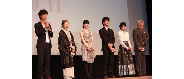 【写真をもっと見る】妻夫木聡、深津絵里、満島ひかりら豪華キャストが勢ぞろい