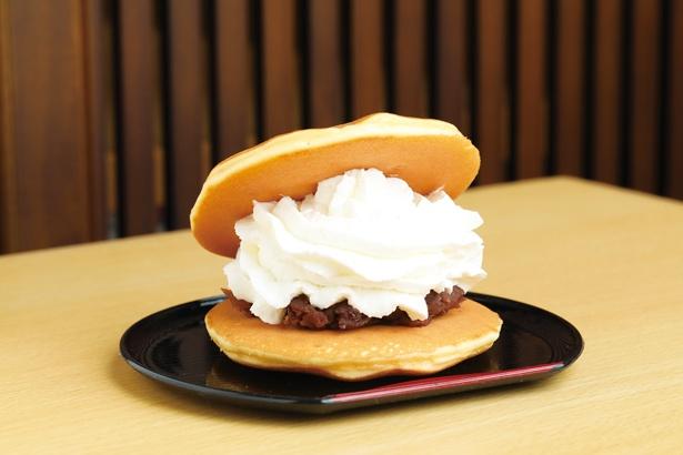 たっぷりのクリームがあんにベストマッチ!「菓子処 とらまる」の「小倉生クリームどらやき」(280円)