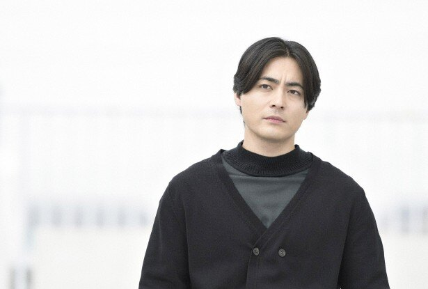 単に色々な役になりきる「カメレオン俳優」とは違う。そこには「山田孝之」という不可解な存在感が必ず漂っている