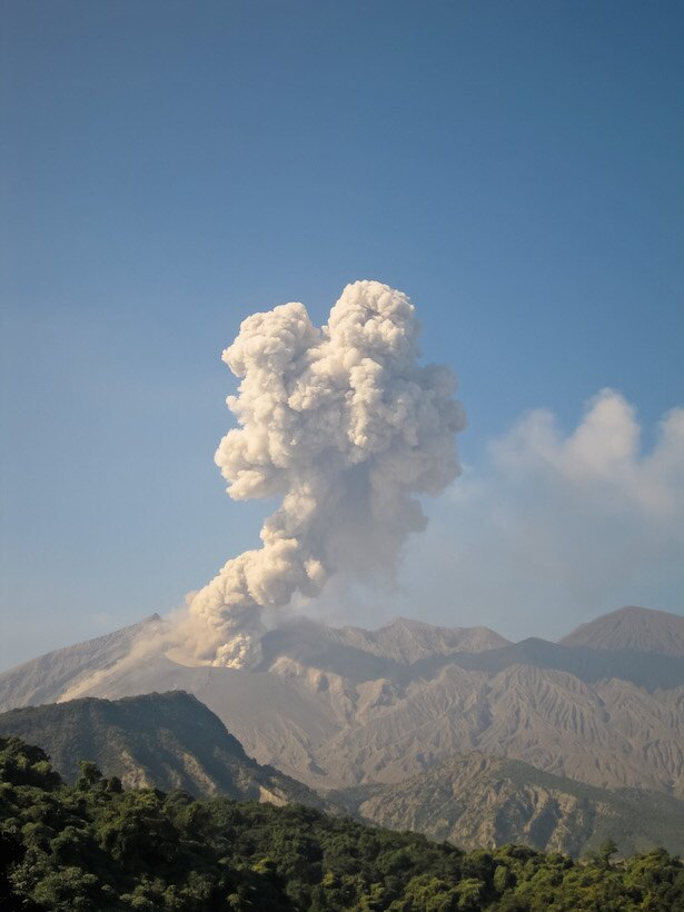 【写真を見る】桜島の噴火の様子