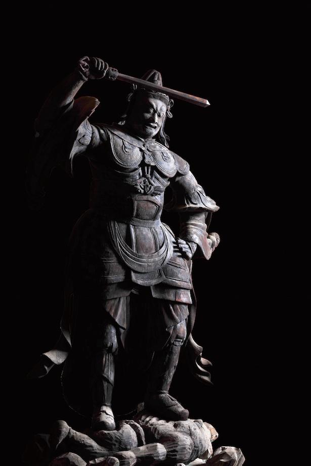 四天王立像(持国天)