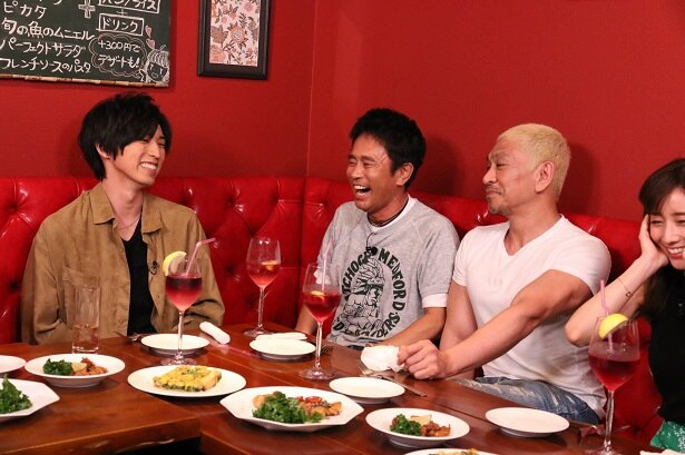 【写真を見る】桐山漣が女性をメロメロにする満面の笑み!