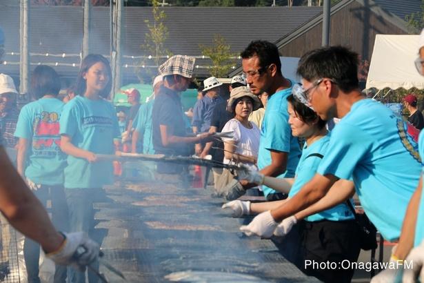 焼き立ての秋刀魚の香りが一層食欲を増す