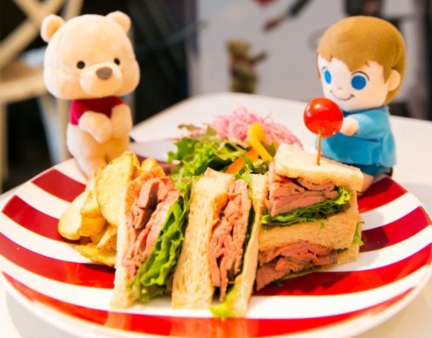 英国気分のローストビーフサンドイッチセット (1200円)/カフェ ラ・ポーズ ルクア大阪