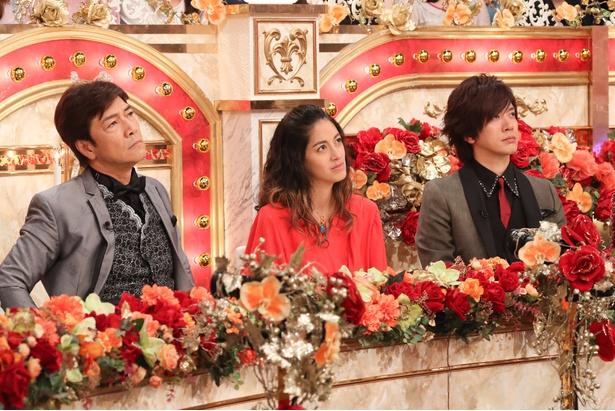 真剣な表情で聴き入る見届け人の野口五郎、森泉、DAIGO