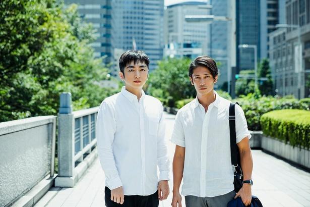 主演を務める玉木宏と原作者の羽田圭介(写真右から)