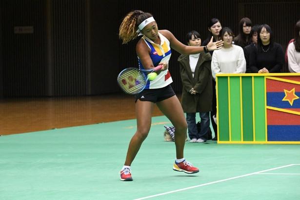 大坂なおみが天才テニス中学生と対戦