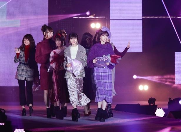 乃木坂が「GRL(グレイル)」のステージに出演