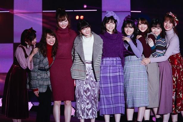 「GRL(グレイル)」のステージに登場した乃木坂メンバー
