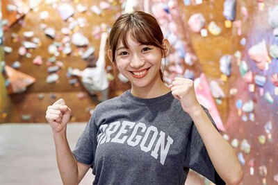 元AKB48・FBS新人アナ小林茉里奈が、ボルダリングにチャレンジ!