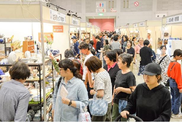 第40回西日本陶磁器フェスタ / お気に入りの器探し&絶品ロールケーキを満喫