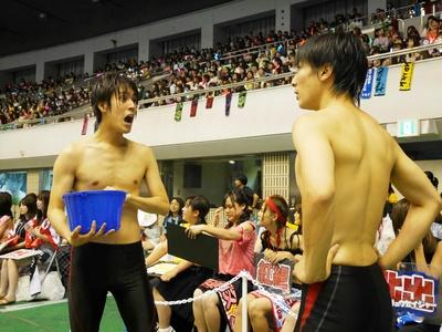 平松賢人、本田剛文(左より)