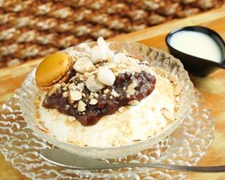 「パッビンス あずきミルク雪氷」(950円)。具だくさんなパッビンスは飽きることなく完食できる/KOSF Korea  Seoul Food