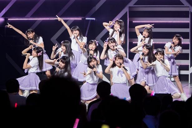【写真を見る】NMB48の6期生14人