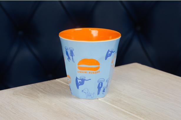 みなとみらい店のオープンを記念して配布されるノベルティのオリジナルラテカップ