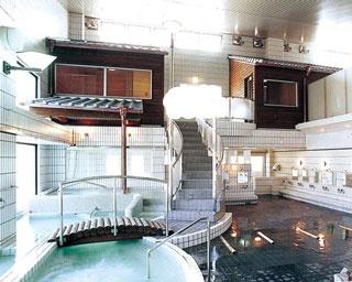 太陽ヘルスセンター / 蒸気サウナと遠赤外線サウナの2種がある。サウナのあとは水風呂でクールダウンを