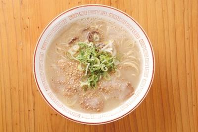 餃子一鉄(福岡市中央区六本松) / 「豚骨ラーメン」(550円)