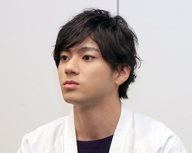 記者の質問に真摯に応える山田裕貴