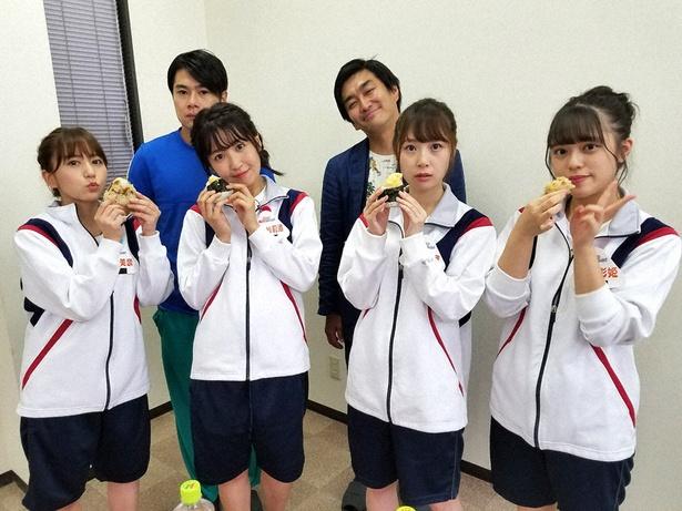 SKE48が愛知の知られざる銘柄鶏を使ったおむすび作りに挑戦