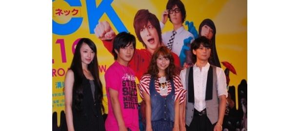 東京ジョイポリスにはたくさんのファンが来場し、終始歓声に包まれた