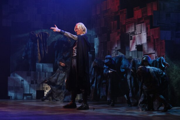 舞台「文豪ストレイドッグス 黒の時代」、ついに開幕! 出演者・演出家のコメントも公開!