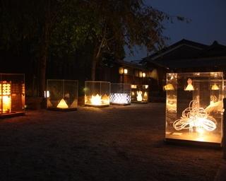 歴代優秀作品約80点を展示!岐阜県美濃市でアート展「あかりの町並み」開催