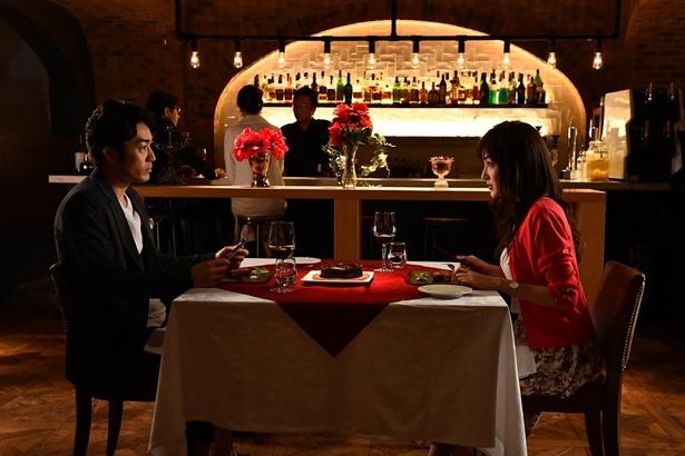 嵐望(大谷亮平)は交際中の女性・奈々(高梨臨)と結婚すると思いきや…