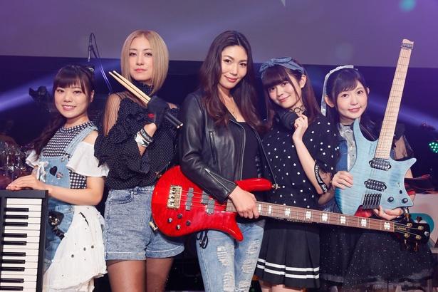 RAISE A SUILENは、キャラクターとリアルライブがリンクする、次世代ガールズバンドプロジェクト「BanG Dream!(バンドリ!)」から生まれた第三のリアルライブバンド