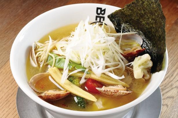 「BE SHOCK 大曽根店」の「野菜たっぷりボンゴレラーメン」(1026円)