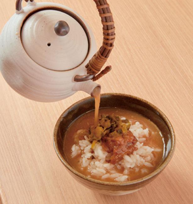 豚汁の追い汁もできる/大坂豚汁・生姜焼き ロマン亭