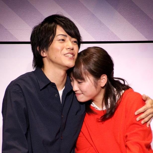 初共演の廣瀬智紀と川栄李奈が恋人役に臨んだ