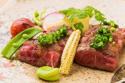 牛肉は佐賀牛にこだわって仕入れている。