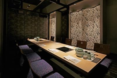 個室一例。オープン席やカウンター席もある。