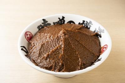 「加藤兵太郎商店」の木桶醸造本格味噌をブレンドした味噌ダレ