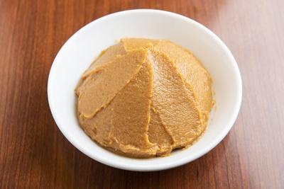 北海道の極寒で熟成された味噌。旨味が濃厚で麺との絡みがよい。