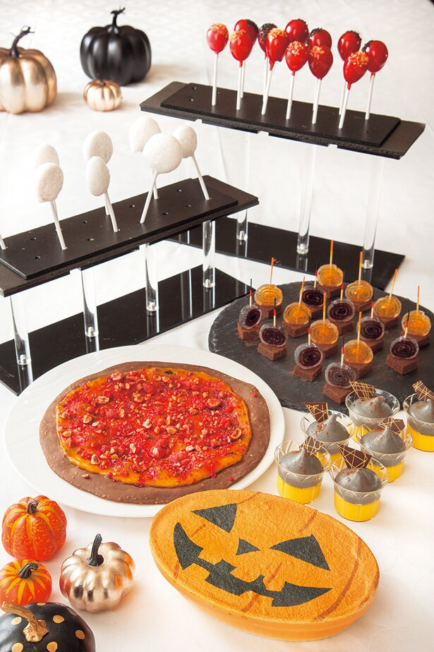 特集「ホテルの食べ放題 覆面大調査!」より。人気のハロウィンスウィーツブッフェにも覆面調査を実施!